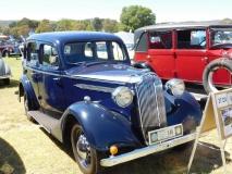 1937-Vauxhall-DX-sedan-Roger-Amos
